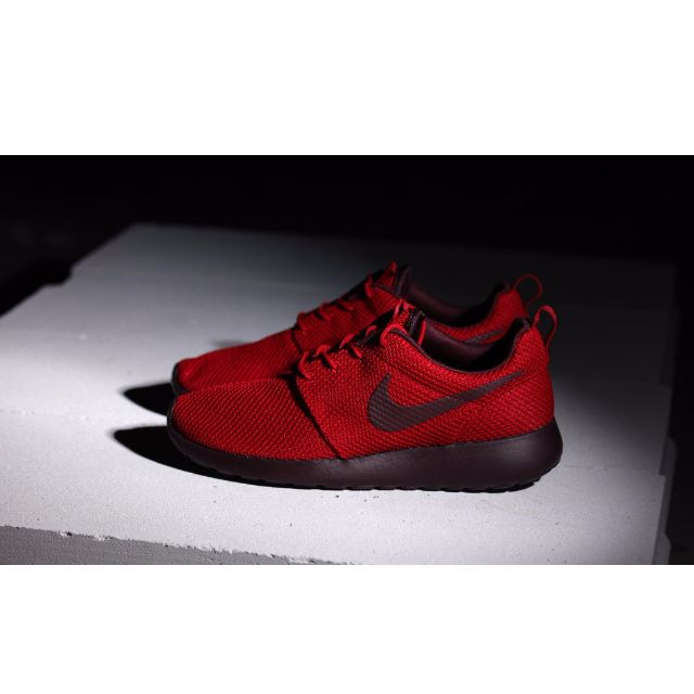 best service 4d72b 8b284 ... france nike roshe run gym red deep burgundy 511881 660 sports on  carousell 229a4 baff4