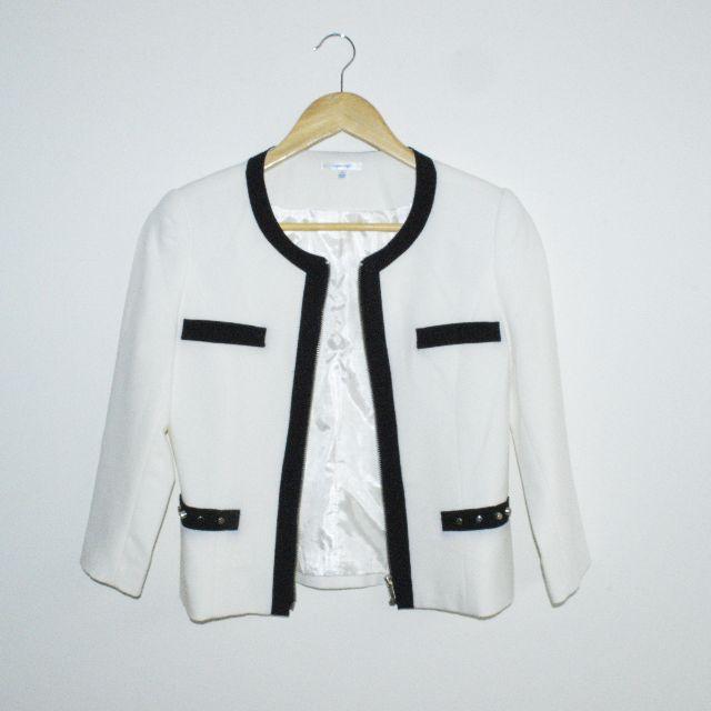 ValleygirlFits size 6/8 Formal white jacket