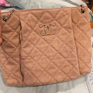 Chanel Tote Bag (Seasonal-rsp, $3.700)