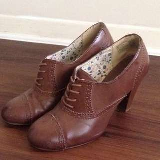 Oxford Shoes/ Oxford Heels