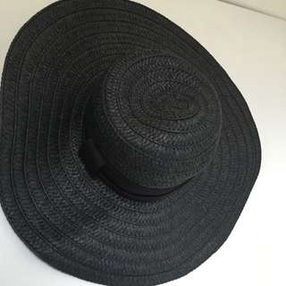 Black Sunhat