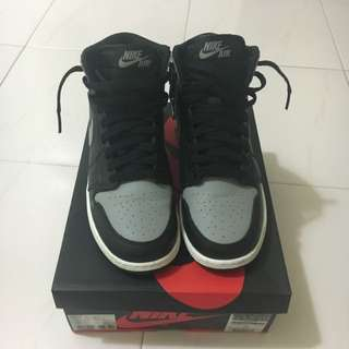 Repriced: Air Jordan 1 Retro High Size 4.5Y