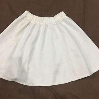 Flare White Skirt / Rok Putih Flare