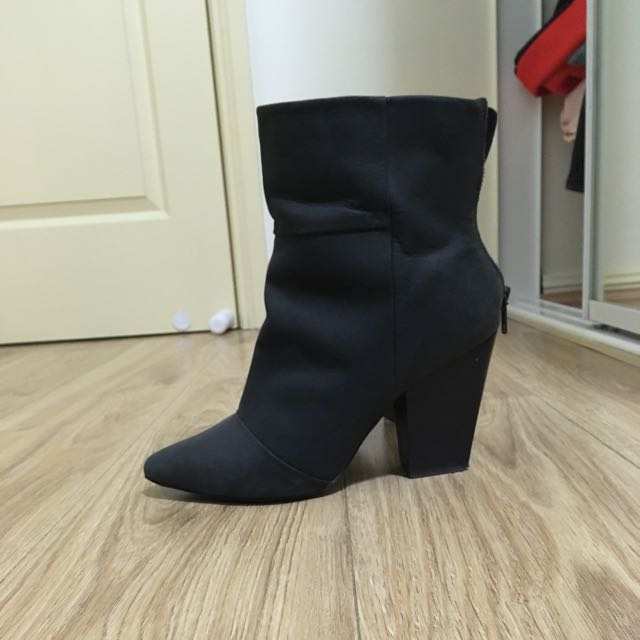 9.5 Real Leather Kelsi Dagger Brooklyn Boots