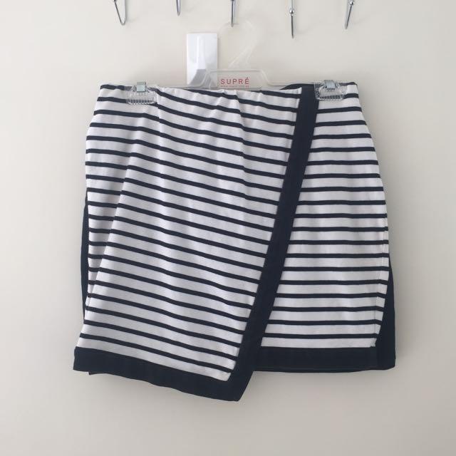 Bardot Skirt Size12