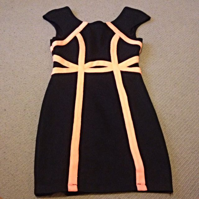 Blossom Dress Size 6