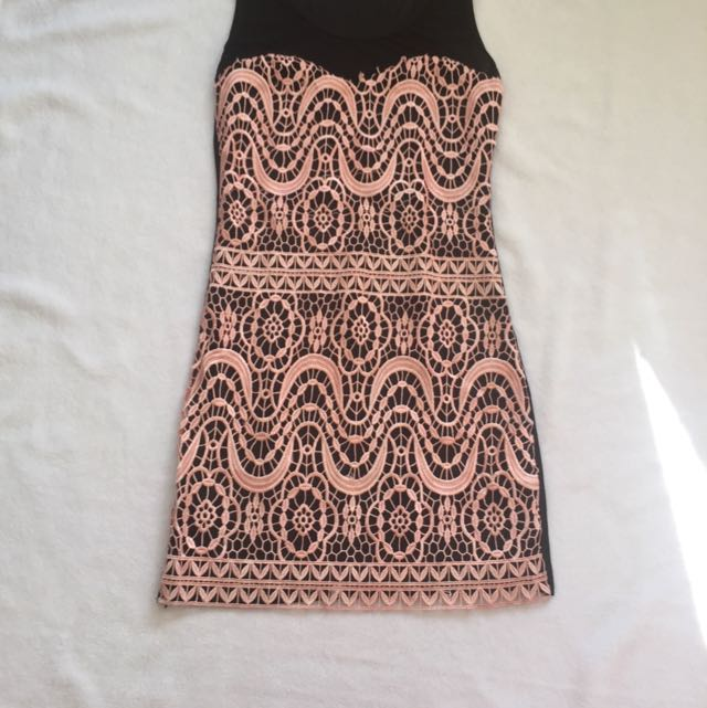 Bodycon Dress With Soft Pink Race