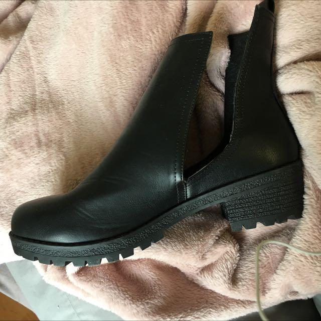 Brand New Rubi Boots Sz 41
