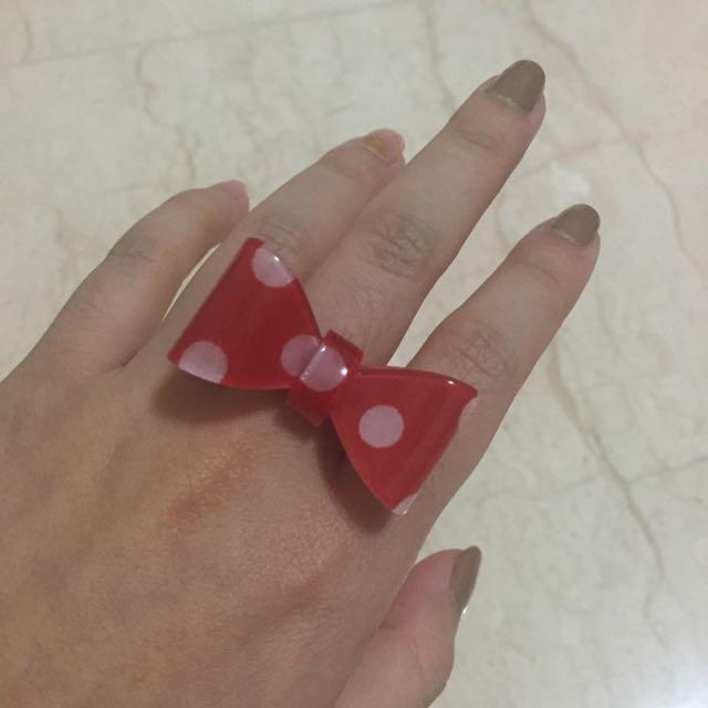 cincin pita merah polkadot