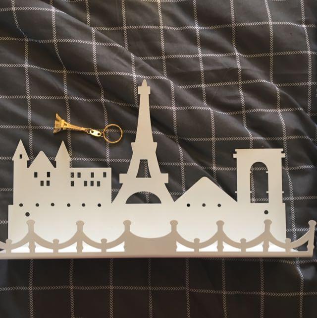 Eiffel Tower Holder + Free Keychain