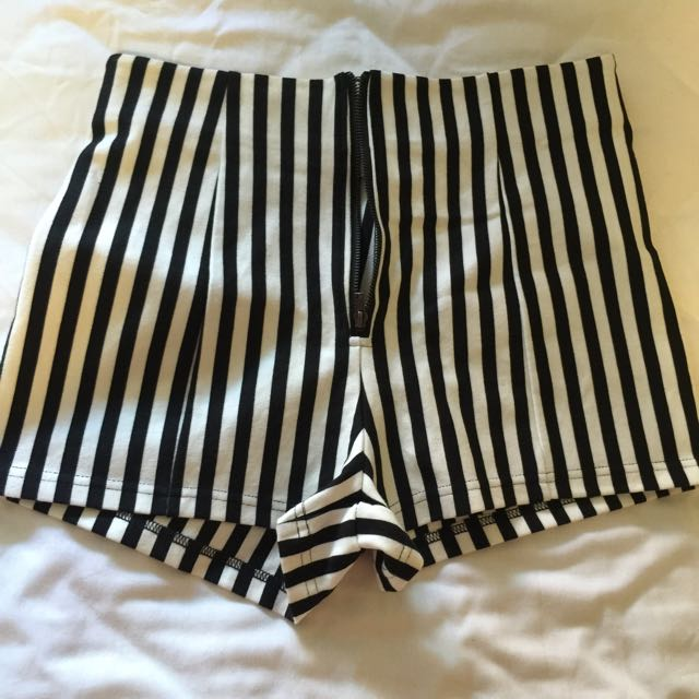 Forever 21 Striped Shorts Size XS