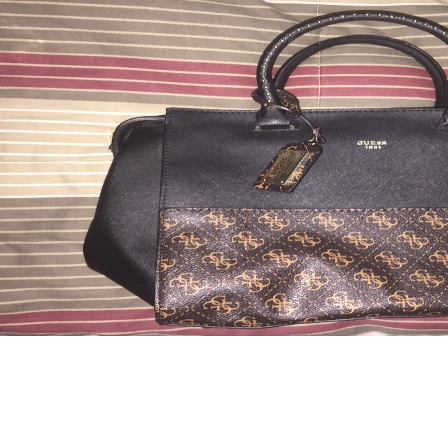 Guess women's hand bag brand new