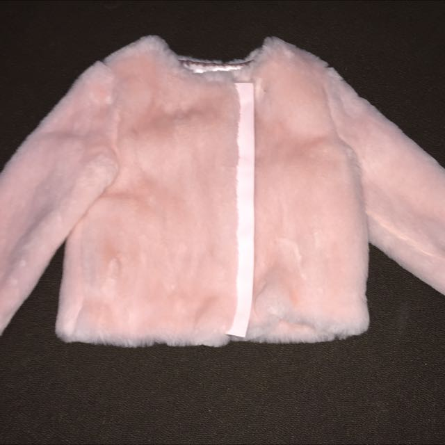 Little Girls Fluffy Jacket. Brand New. Size 5