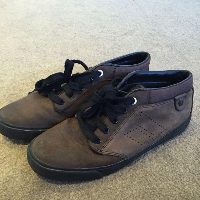 Macbeth Shore Leather Size 9