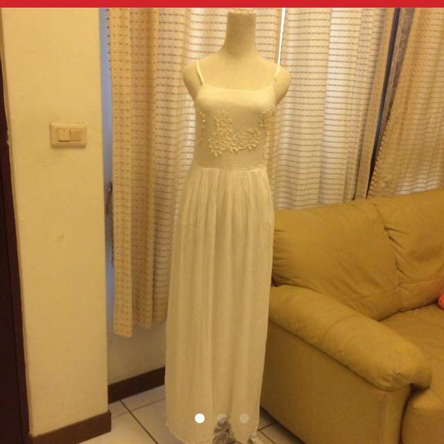 Mongo白色長洋裝降價