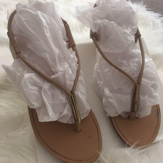 Novo Sandals Size8