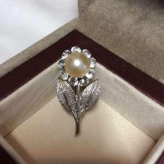珍珠花形襟針