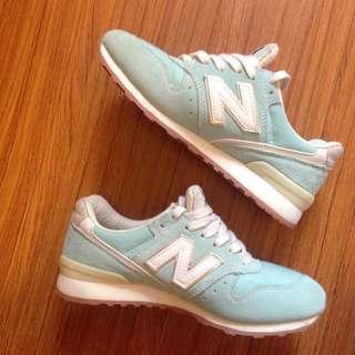 湖水綠new Balance球鞋 含運