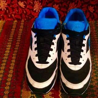 Nike Air Max Hardly Worn