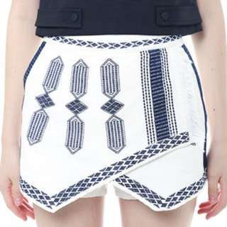 MDS Embroidery Skorts in Size S