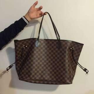GRADE AAA Louis Vuitton LARGE