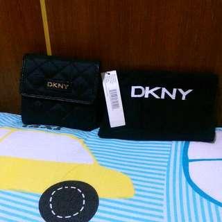 DKNY女用短皮夾