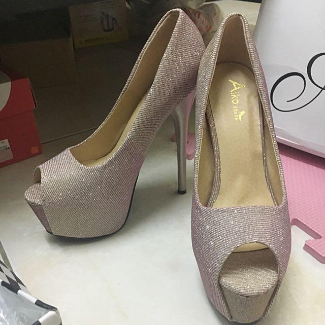 粉紅斜紋高跟鞋👠