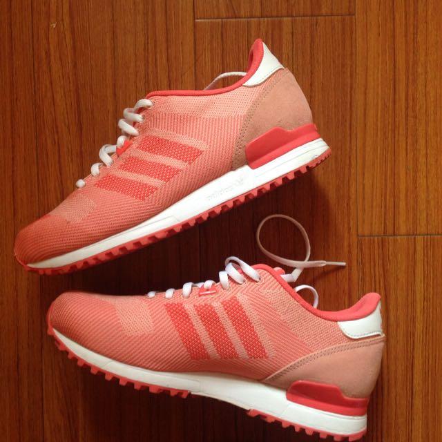 Adidas 粉紅色球鞋