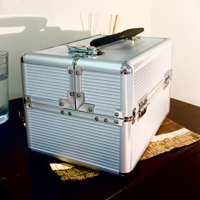 ✰REDUCED✰  Aluminium Beauty Case