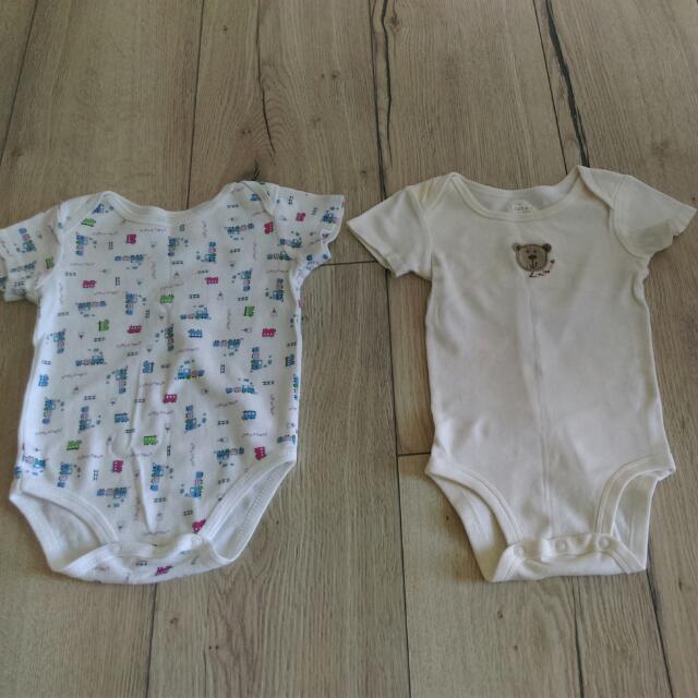 Carter's嬰兒包屁衣2件
