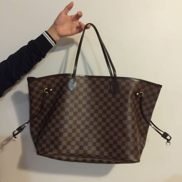 GRADE AAA Louis Vuitton LARGE