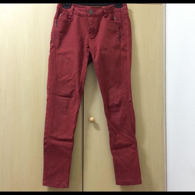 Hong Chubby 紅窄管男朋友褲