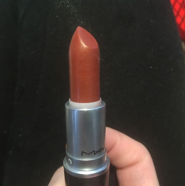 MAC Lustre Charis-Matic