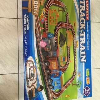 全新玩具火車 多ㄧ組便宜賣