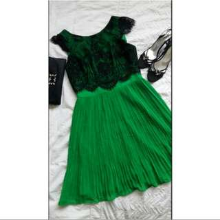 """Designer """"Review"""" Emerald pleated dress with Black lace. Size 10. Races, Wedding, Party"""