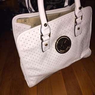 Michael Kors White Hand Bag!