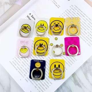 💖預購💖原創笑臉Smile手機通用懶人黏貼式手指環支架