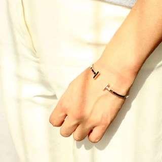 轉賣。歐美韓系 簡約波紋雙T字型銀色手環
