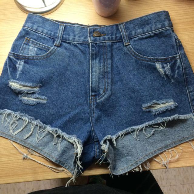 深色牛仔褲