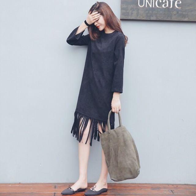 黑色麂皮流蘇連身裙