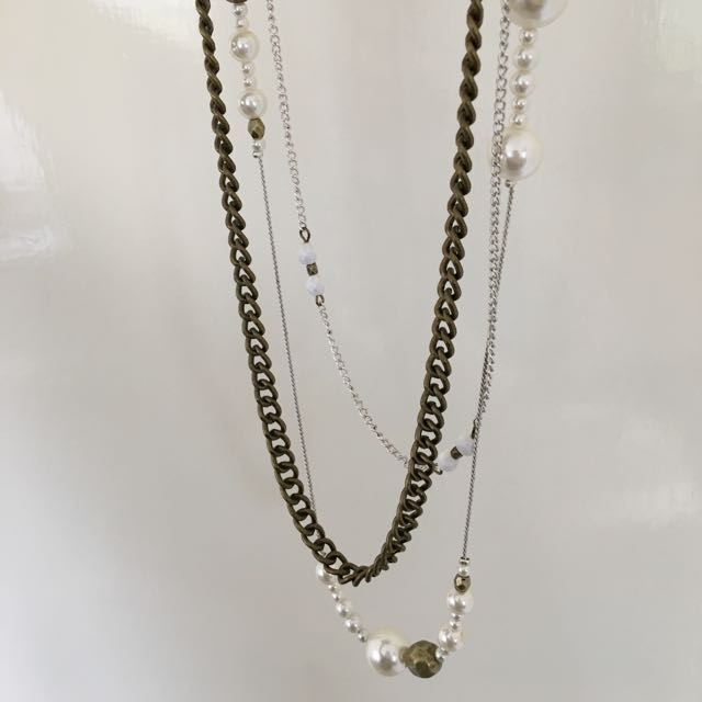 Brass Gold/pearl necklace