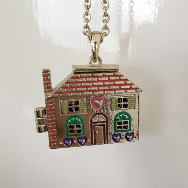 Dollhouse Necklace - Gold
