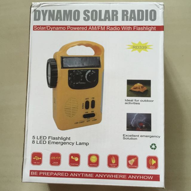 Dynamo Solar AM/FM Radio with flashlight
