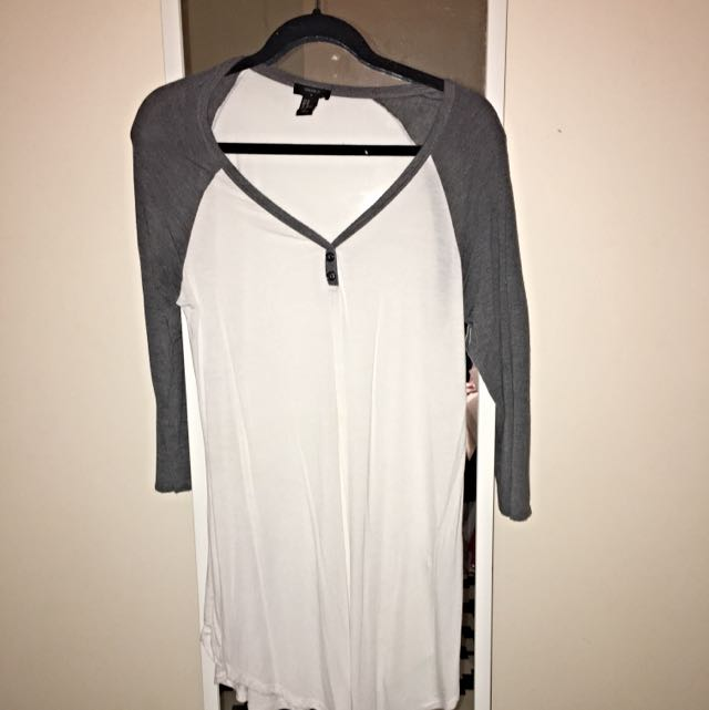 Forever 21 grey & White T-shirt Top