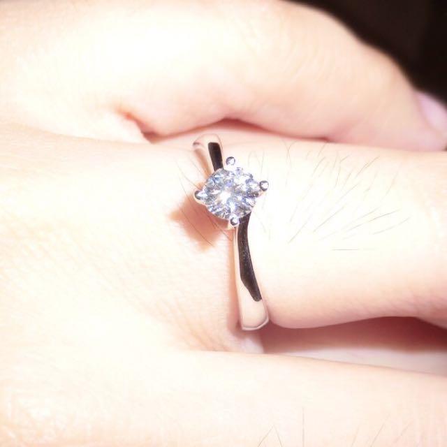 e96d4d6a5d55e Love & Co. Diamond Ring, Luxury on Carousell
