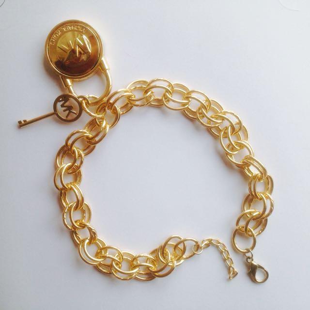 MK Gold Chain Neklace