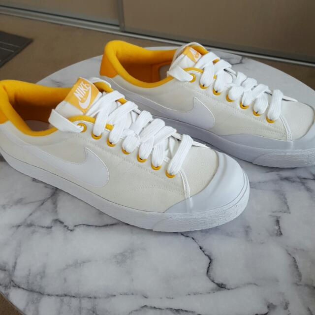 Nike All Court Low Vintage Sail, Yellow And White Us Size 12 BNIB
