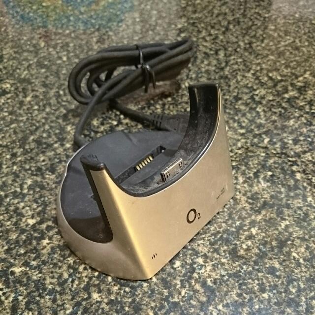 O2 pda手機 傳輸充電底座 可同時充第二顆電池