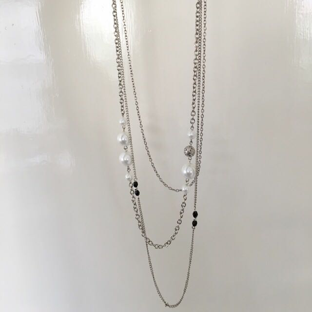 Pearl/black/silver Necklace
