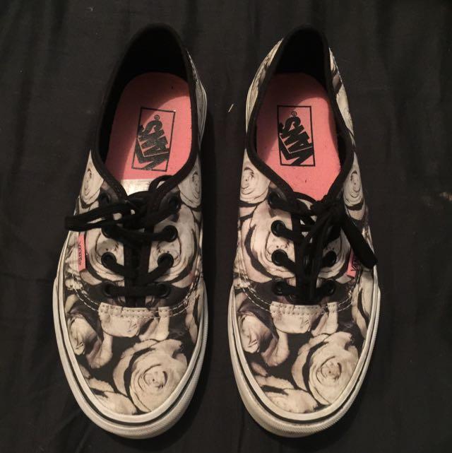 Vans White Rose Shoes